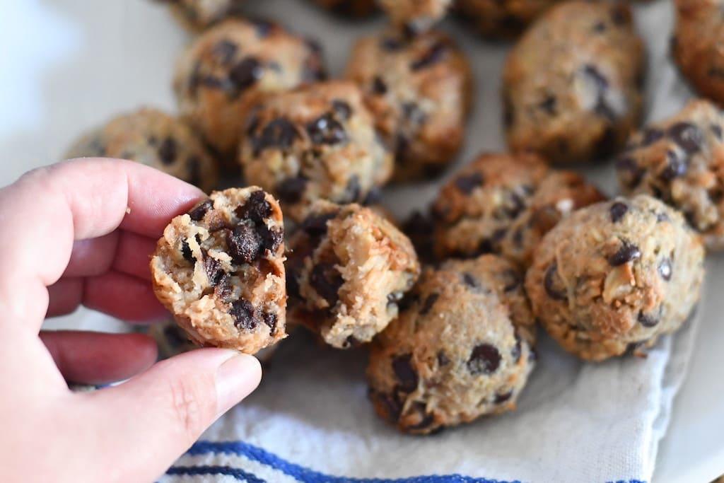 Biscuits Keto aux pépites de chocolat et noix de coco