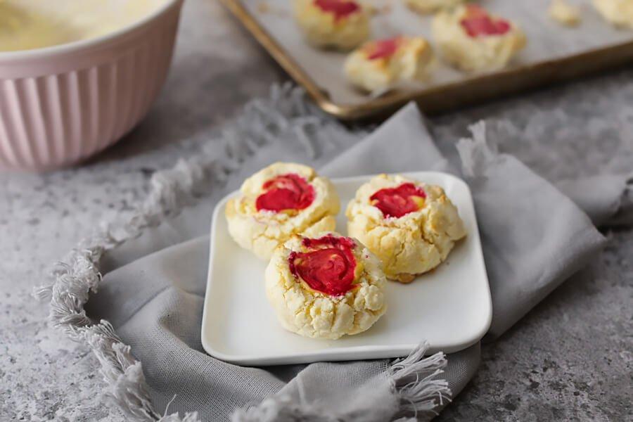 Keto Raspberry Cheesecake Cookies