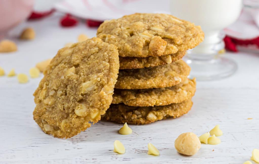 Biscuits Keto Au Chocolat Blanc Et Aux Noix De Macadamia