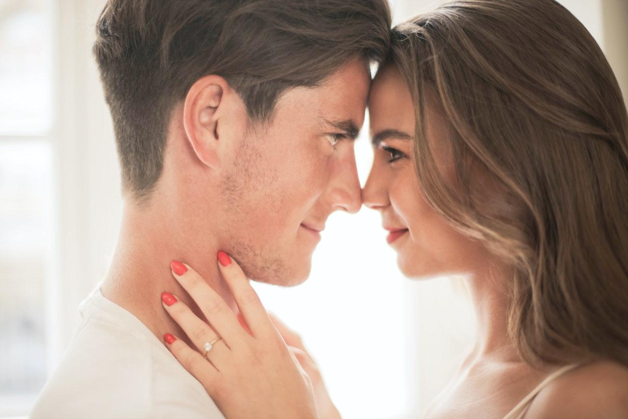 Comment embrasser un homme pour qu'il ne vous oublie jamais?